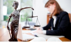"""Юридическая фирма """"Квест"""", (8352) 55-22-18, 56-49-88 Воспользовавшись юридическими услугами нашей компании, Вы сможете полностью сконцентрироваться на решении стратегических задач бизнеса и не отвлекаться на текущие проблемы."""