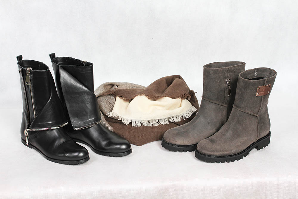 Бутик «Бон Марше» Чебоксары предлагает: женские осенние ботинки из натуральной кожи, Left and Right, зимние женские ботинки из замши, Left and Right, женский платок из шерсти и кашемира, Eleganzza.