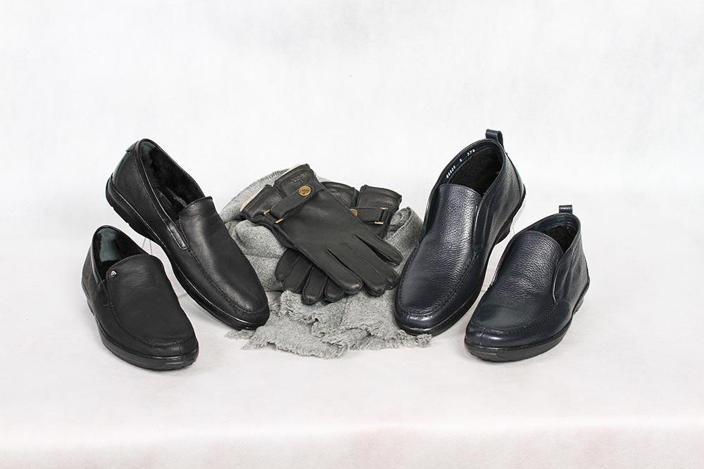 Зимние мужские ботинки из кожи и дубленчатой кожи, Aldo Brue, шарф мужской и перчатки мужские из кожи, Eleganzza в бутике «Бон Марше» г. Чебоксары.